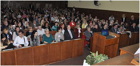 Учесници и званице Треће регионалне конференције у Скупштинској сали – пленарно, 25.10.2015.